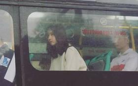 """Cư dân mạng """"đòi link"""" cô gái bị chụp lén trên xe bus vẫn thần thái ngời ngời"""