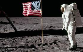 Không thể tin được: Con người xả tới 187 tấn rác trên bề mặt Mặt trăng