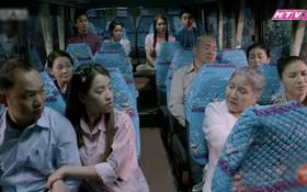 """""""Cô Thắm về làng 3"""": Tường Vy, Lương Thế Thành """"chơi lớn"""", dẫn cả làng bỏ nhà đi bụi"""