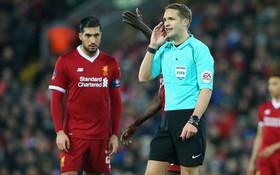 Man Utd được trọng tài giúp sức, thoát 3 quả phạt penalty?