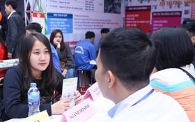 Hơn 10.000 học sinh được tư vấn, giải đáp thắc mắc các vấn đề hot nhất của kỳ thi THPT quốc gia 2018