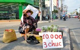 Người lao động Sài Gòn chật vật mưu sinh những ngày nắng nóng đổ lửa