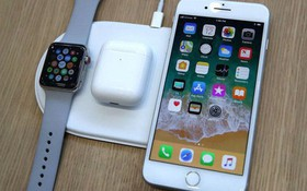 Chuyên gia công nghệ cho biết tính năng sạc không dây mới của iPhone đã khiến pin chai nhanh hơn bình thường