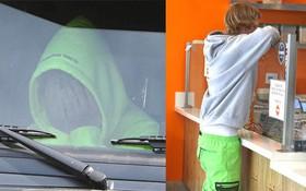 Chia tay Selena Gomez, Justin Bieber ôm mặt rầu rĩ nhưng vẫn mặc quần tụt lộ cả mông