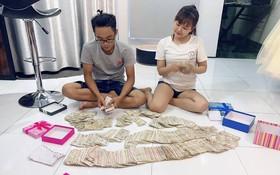 Cô gái muốn khóc vì hội bạn thân mừng cưới bằng một xấp tiền lẻ, ngồi đếm 2 tiếng mới xong