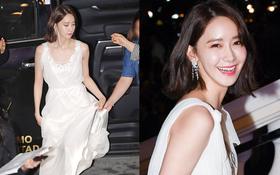 Lộ mặt dài, cơ thể gầy đến mức lộ xương ngực, Yoona vẫn trở thành nữ thần của thảm đỏ hot nhất hôm nay!