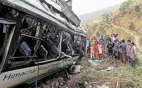 Ấn Độ: 10 người thiệt mạng trong tai nạn xe khách
