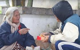 Chàng trai Huế giả làm ăn xin thử lòng người nghèo và cái kết khiến cộng đồng mạng lặng mình suy ngẫm