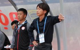 """""""50 sắc thái"""" của HLV Miura trong ngày ra mắt V.League"""