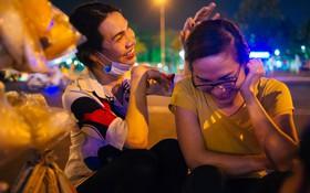 """""""Chị Hai, chị Ba"""" bán xôi Sài Gòn: Hai anh em trốn chạy để được làm con gái và trở về bên vòng tay bao dung của gia đình"""