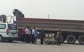 Thai phụ và con 3 tuổi chết thương tâm dưới gầm xe ben