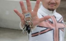 Nam châm giữ chìa khoá nhà cực-mạnh: Hút cả tá món đồ kim loại không thua kém gì năng lực của Magneto