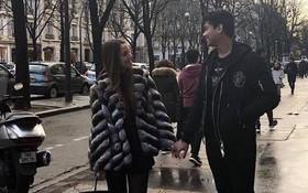 Cô gái Tây xinh đẹp đăng ảnh nắm tay cực tình cảm với Hiếu Nguyễn