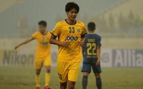 FLC Thanh Hóa thủng lưới 3 bàn sau 8 phút trong ngày Bùi Tiến Dũng ngồi dự bị