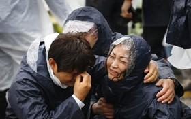 Những hình ảnh trong vụ chìm phà Sewol khiến hơn 300 người thiệt mạng vẫn khiến mọi người ám ảnh