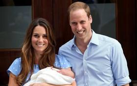 Công nương Kate đã hạ sinh bé trai trong niềm vui hân hoan của toàn nước Anh