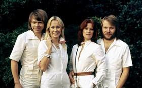 Ban nhạc huyền thoại ABBA tái hợp và trở lại làng nhạc sau 35 năm!