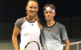 Con trai Beckham đấu tennis với tay vợt nữ số 2 thế giới