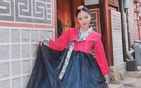 """Đăng ảnh mặc Hanbok cực xinh nhưng caption """"lầy"""" đúng chất Bích Phương mới làm dân mạng dậy sóng!"""