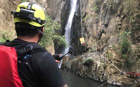 Khen thưởng 5 người đưa thi thể phượt thủ ra khỏi thác Lao Phào
