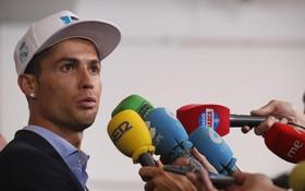"""Không phải làm màu, Ronaldo có ý định rời Real: """"Vài ngày nữa tôi sẽ nói điều phải nói"""""""