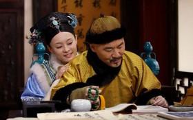 """Vì sao Châu Tấn nghe dàn hậu cung """"Chân Hoàn Truyện"""" bị kể xấu ngay trên sóng truyền hình lại bật cười?"""
