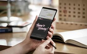 Vì sao iPhone Plus cũng to như Galaxy Note nhưng không có bút cảm ứng đi kèm?