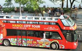 """Sau một tuần lăn bánh, xe buýt mui trần giá vé 300 nghìn đồng/4 tiếng """"đìu hiu"""" khách ở Hà Nội"""