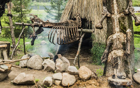 """Trên Trái đất vẫn còn các bộ tộc chưa """"thoát"""" khỏi kỳ đồ đá, và bạn biết họ sống thế nào không?"""