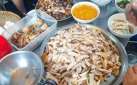 Hàng phở gà được đồn thổi là đắt bậc nhất Hà Nội: 60k/bát vẫn cực đông khách