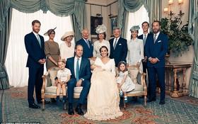 Hoàng gia Anh công bố bộ ảnh gia đình mới nhất trong dịp lễ rửa tội của Hoàng tử Louis