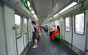 Ảnh, clip: Trải nghiệm bên trong đoàn tàu đường sắt trên cao Cát Linh - Hà Đông ngày chính thức chạy thử