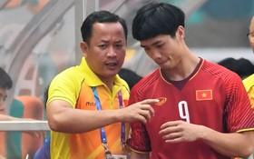 Những toan tính đằng sau lá đơn từ chức của trợ lý ngôn ngữ cho ông Park Hang-seo