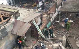 Chùm ảnh: Cảnh tan hoang sau vụ nổ kinh hoàng ở Bắc Ninh lúc rạng sáng, đầu đạn văng vào nhiều nhà dân gần hiện trường