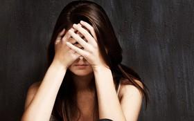 Con số đáng sợ: Tỷ lệ trầm cảm của con gái tuổi mới lớn cao GẤP 3 LẦN con trai