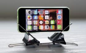 """5 cách tự chế giá đỡ smartphone cực dễ, không lo livestream """"lộ hàng"""" như Noo Phước Thịnh"""
