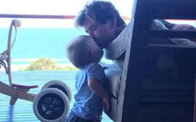 """Câu chuyện dễ thương về con trai của """"Thor"""" Chris Hemsworth: Nghịch đến gãy xương mà chẳng khóc tiếng nào"""