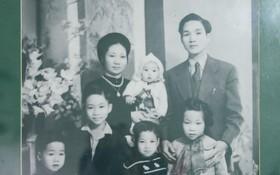 """Gia đình buôn tơ lụa giàu nức tiếng phố hàng Đào và căn nhà cổ """"ngưng đọng thời gian"""" suốt 50 năm qua"""