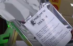 Clip: Kho hàng của công ty Heekcaa bị phát hiện và thu giữ số lượng lớn nguyên liệu trà sữa không rõ nguồn gốc