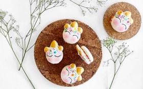 Bạn đã bao giờ từng thử một chiếc macaron có tạo hình đầu của kỳ lân chưa?