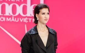 """Hồng Xuân 1m90 tái xuất bằng việc tố nhà sản xuất """"Vietnam's Next Top Model"""" quỵt tiền"""