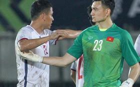 CĐV Myanmar sôi sục vì cầu thủ có body đẹp nhất ĐT Việt Nam