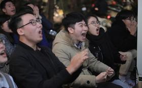 Vàoooo!! Hàng triệu người hâm mộ Việt Nam vỡ oà trước bàn thắng san bằng tỷ số của Công Phượng