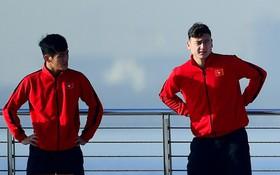 Không ngủ nướng, tuyển Việt Nam đi dạo thư giãn sau trận thắng Jordan