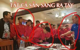 """Nhìn bức ảnh thầy Park khao cả đội đi ăn BBQ, dân mạng thi nhau đoán ai sẽ ra tay """"úp sọt"""" Công Phượng trong ngày sinh nhật"""