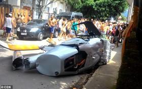 Đi bộ trên vỉa hè nhằm tránh xe cộ, người đàn ông bị trực thăng rơi trúng thiệt mạng tại chỗ