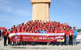 """Hành trình """"Tôi yêu tổ quốc tôi"""" đặt chân đến Đất mũi Cà Mau, hàng trăm thanh niên chung tay làm sạch môi trường"""