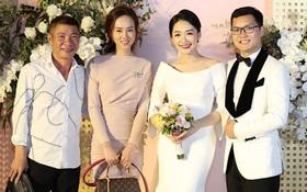 NSND Công Lý sánh đôi tình tứ bên bạn gái kém 15 tuổi, tay trong tay xuất hiện trong đám cưới của BTV Thu Hà