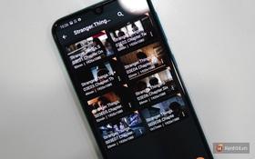 """Tin nổi không: """"Cày"""" liền tù tì trọn bộ 3 mùa Stranger Things bằng Galaxy M30s chỉ với 1 lần sạc pin!"""
