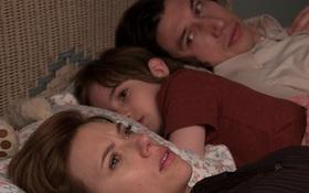 Phim của Scarlett Johansson được khen hết lời nhờ chuyện li hôn dở khóc dở cười, kịch tính như đánh trận